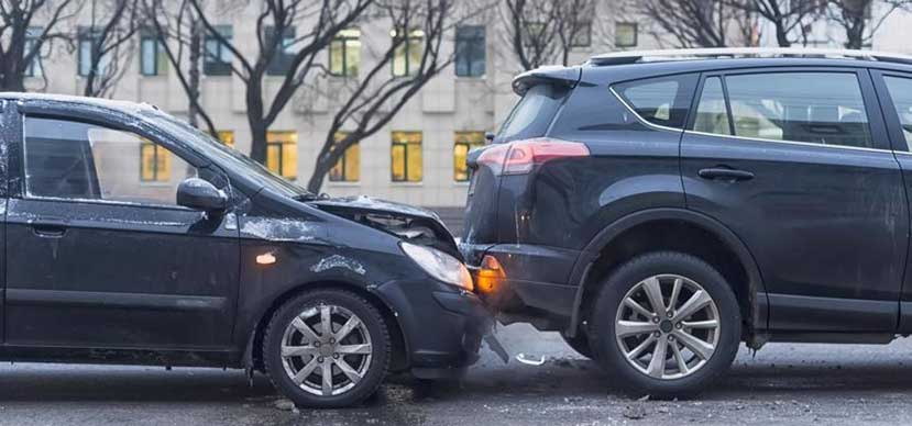 This image shows two cars that have been involved in a car accident in Mason, Ohio.